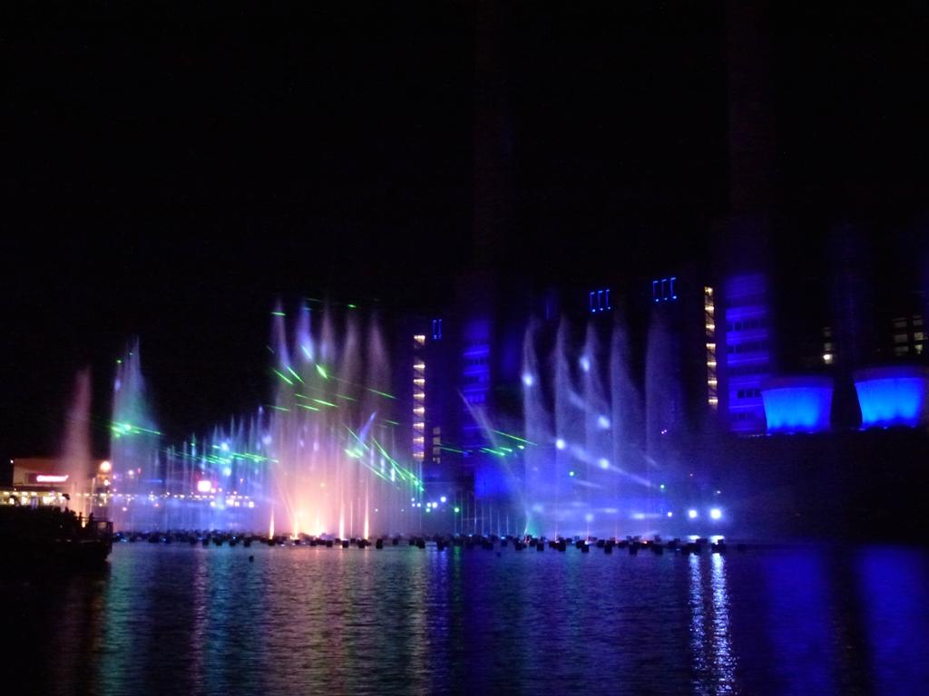 Wasserspiele Autostadt 2012 Wassershow paradiso e inferno ...